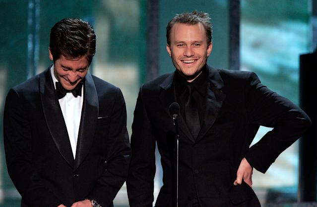 Jake Gyllenhaal and Heath Ledger present an award at the Screen Actors Guild Awards on Jan. 29, 2006. (Photo: Kevin Winter/Getty Images)