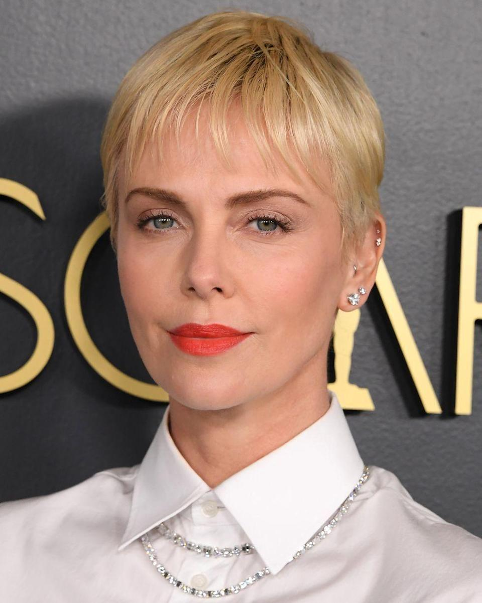 <p>Whether it's a chocolate brown jaw length bob, a balayage bowl cut or a bright blonde schoolboy crop, Charlize Theron always looks epic with short hair.</p>