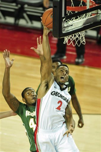 Georgia hangs on to beat Jacksonville 68-62