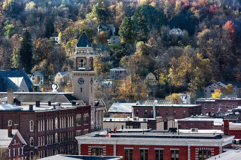 MONTPELIER, VERMONT, UNITED STATES - 2016/10/17: Autumn view of downtown. (Photo by John Greim/LightRocket via Getty Images)