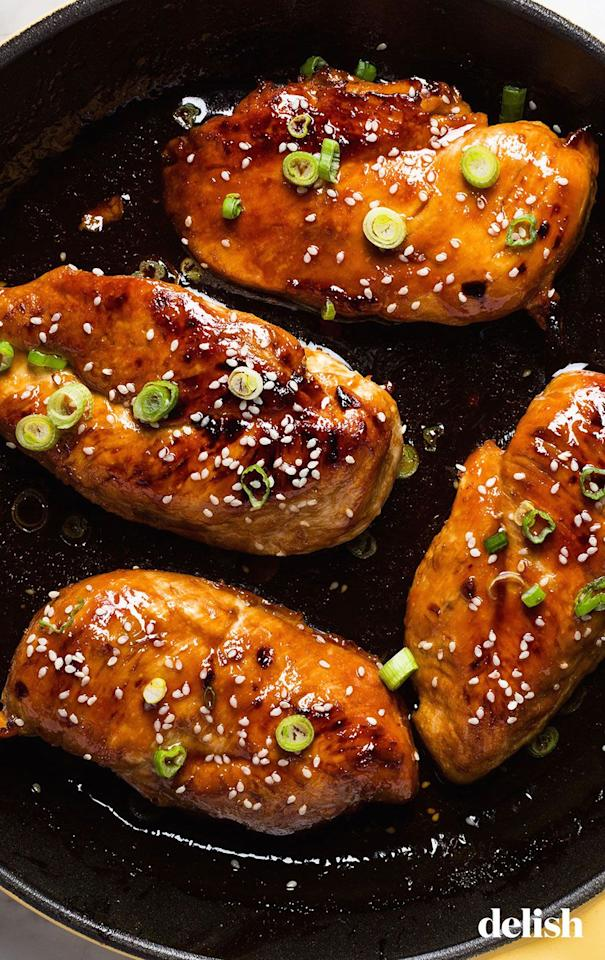 "<p>This easy weeknight dinner takes practically zero effort.</p><p>Get the <a href=""https://www.delish.com/uk/cooking/recipes/a29756469/honey-garlic-chicken-recipe/"" target=""_blank"">Honey Garlic Chicken</a> recipe.</p>"