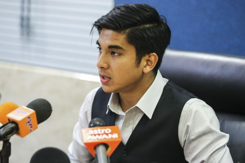 Syed Saddiq said the Cabinet has agreed to halt Lukman's death sentence. — Picture by Hari Anggara