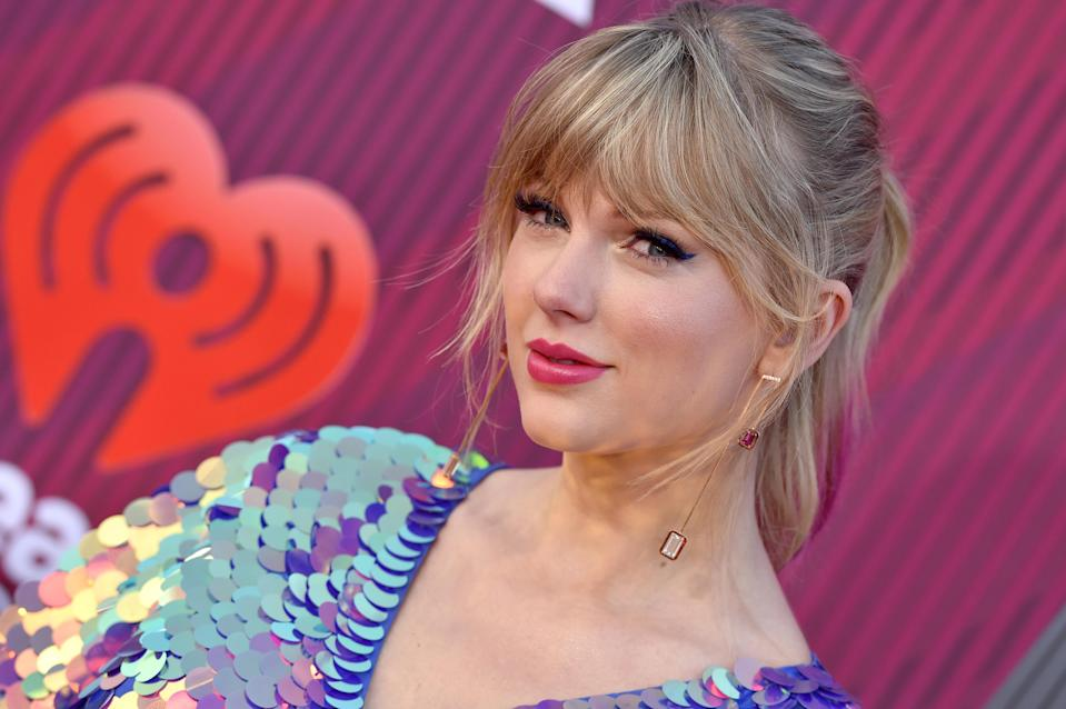 LOS ANGELES, CALIFORNIA – MARCH 14: Taylor Swift arrives at the 2019 iHeartRadio Music Awards which broadcasted live on FOX at Microsoft Theater on March 14, 2019 in Los Angeles, California. (Photo by Axelle/Bauer-Griffin/FilmMagic)