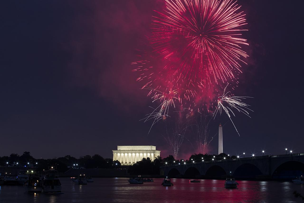 <p>Independence Day celebration fireworks explode in the air above the Lincoln Memorial and Washington Monument along the National Mall in Washington on July 4, 2017. (Samuel Corum/Anadolu Agency/Getty Images) <br /><br /><br /><br /></p>