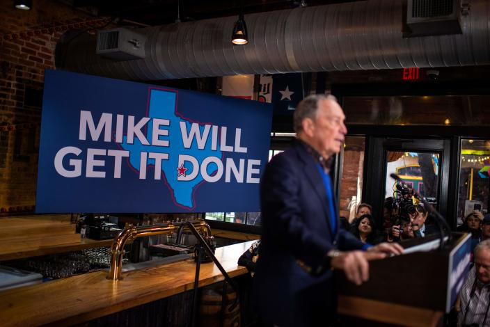 Bloomberg speaks to supporters in Texas. (Photo: Mark Felix/AFP/via Getty Images)