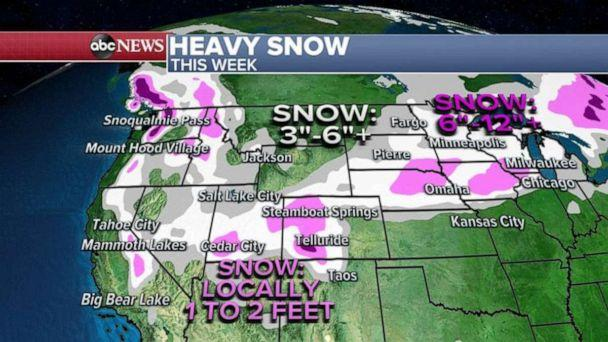 PHOTO: For a second consecutive week, the weather is looking quite turbulent as we head toward a major holiday. (ABC News)