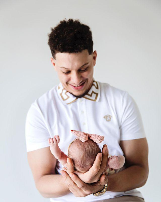 """<p>""""1 month❤️,"""" the new dad <a href=""""https://www.instagram.com/p/CMp6YumHf8u/"""" rel=""""nofollow noopener"""" target=""""_blank"""" data-ylk=""""slk:captioned a photo"""" class=""""link rapid-noclick-resp"""">captioned a photo</a> smiling down at his daughter. </p>"""