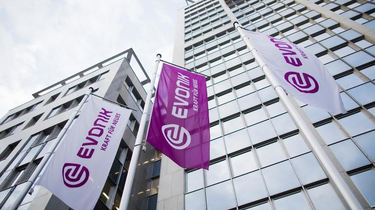 Evonik plant Millionen-Investment in Deutschland