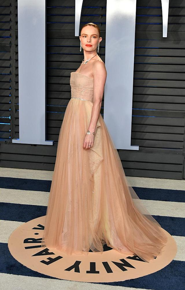 <p>Bosworth wowed in a soft peach gown. (Photo: Dia Dipasupil/Getty Images) </p>