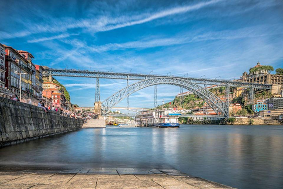 <p>Nothing but blue skies over Porto, Portugal // April 15, 2017</p>