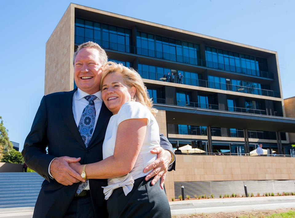 """Philanthropist Nicola Forrest and husband Andrew """"Twiggy"""" Forrest. (AAP Image/Supplied by University of WA) NO ARCHIVING"""