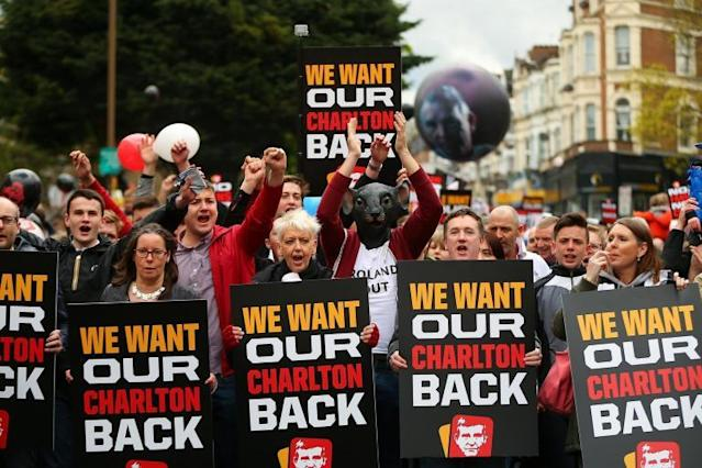 Charlton fans demand answers from Richard Murray as takeover talks derail Addicks' January plans