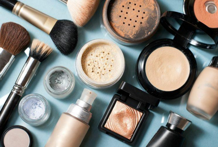 People Are Selling Makeup From Dumpster Dives  Should You