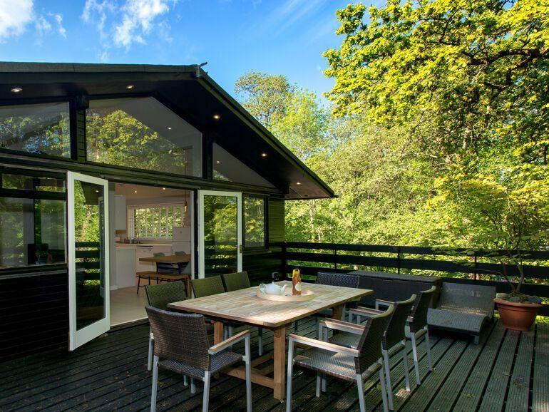 """<p><strong>Sleeps:</strong> 5</p><p>Superbly situated in the New Forest on the bank of the Beaulieu River, this <a href=""""https://go.redirectingat.com?id=127X1599956&url=https%3A%2F%2Fwww.holidaycottages.co.uk%2Fcottage%2F47431-treetops&sref=https%3A%2F%2Fwww.housebeautiful.com%2Fuk%2Flifestyle%2Fproperty%2Fg33931209%2Ftreehouse-holidays%2F"""" rel=""""nofollow noopener"""" target=""""_blank"""" data-ylk=""""slk:treehouse stay"""" class=""""link rapid-noclick-resp"""">treehouse stay</a> provides a peaceful escape in Hampshire. There's enough room for a family or group of friends, with enchanting views from the double, twin and single bedrooms, as well as an inviting lounge with wood burner, an alfresco dining area, plus modern and homely interiors.</p><p>Treehouse holidays cost from £719 for three nights from holidaycottages.co.uk</p><p><a class=""""link rapid-noclick-resp"""" href=""""https://go.redirectingat.com?id=127X1599956&url=https%3A%2F%2Fwww.holidaycottages.co.uk%2Fcottage%2F47431-treetops&sref=https%3A%2F%2Fwww.housebeautiful.com%2Fuk%2Flifestyle%2Fproperty%2Fg33931209%2Ftreehouse-holidays%2F"""" rel=""""nofollow noopener"""" target=""""_blank"""" data-ylk=""""slk:SEE INSIDE"""">SEE INSIDE</a></p>"""
