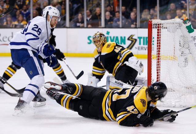 Toronto Maple Leafs' Connor Brown (28) scores on Boston Bruins' Tuukka Rask (40), of Finland, during the first period of Game 5 of an NHL hockey first-round playoff series in Boston, Saturday, April 21, 2018. (AP Photo/Michael Dwyer)