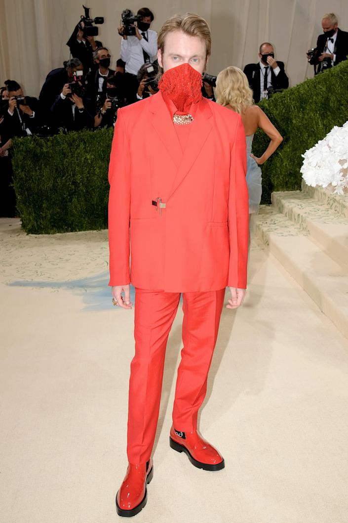 """<h1 class=""""title"""">Finneas in Givenchy and Cartier jewelry</h1><cite class=""""credit"""">Photo: Getty Images</cite>"""