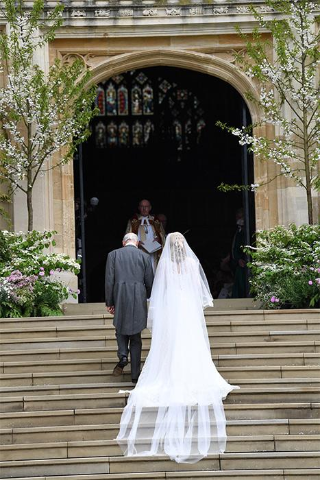lady-gabriella-windsor-wedding-dress-back-of-dress