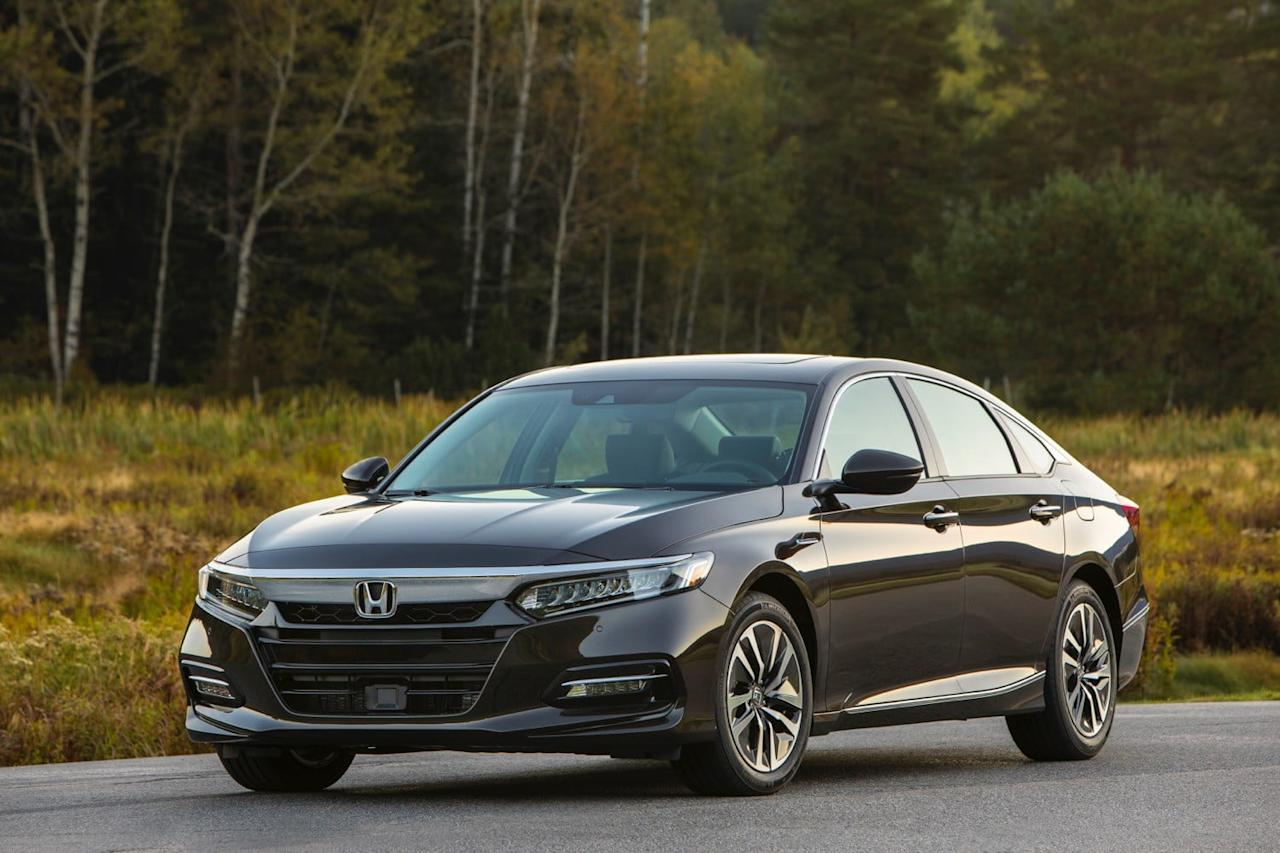 The 2018 Honda Accord Hybrid sedan is about $4,500 less than last year's model, but it has also been thoroughly reworked. But -- crucially for a hybrid -- fuel economy does not improve.