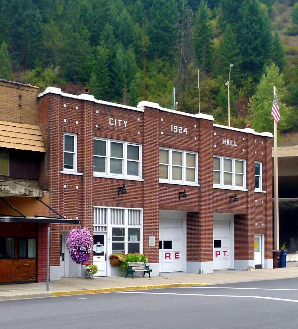 <p>Love historic buildings and fire departments like this one in Wallace, Idaho. And this tiny historic town is near some cool hiking trails to explore. </p>