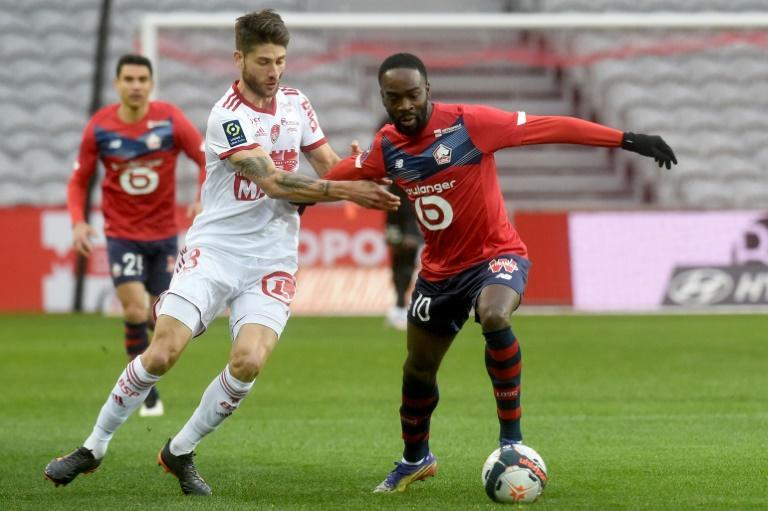 Lille were held without a shot on target by Brest but regained first place in Ligue 1 despite a 0-0 draw