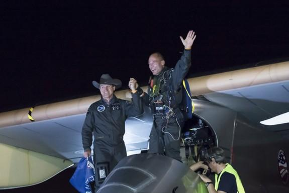 Solar Plane Completes Longest Leg of Cross-Country Flight