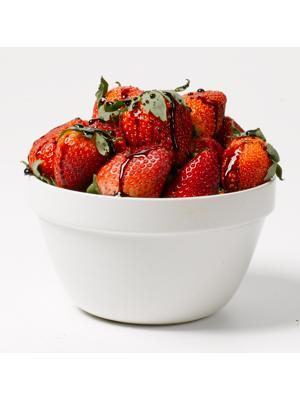 "<div class=""caption-credit""> Photo by: CN Digital Studio</div><b><i>Healthy Snack:</i> 1 Cup Strawberries Dipped in 1 Tablespoon Melted Semisweet Chocolate Chips (115 Calories)</b> <br> <br> Ansel says this is a great way to get your fruit fix and satisfy a chocolate craving at the same time. ""Plus, you get loads of vitamin C from the strawberries and blood-pressure-lowering polyphenols from the chocolate,"" she adds."