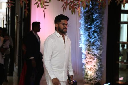 vijay yesudas at soundarya rajinikanth Vishagan Vanangamudi's wedding