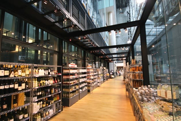 Dean and Deluca Opens in Singapore