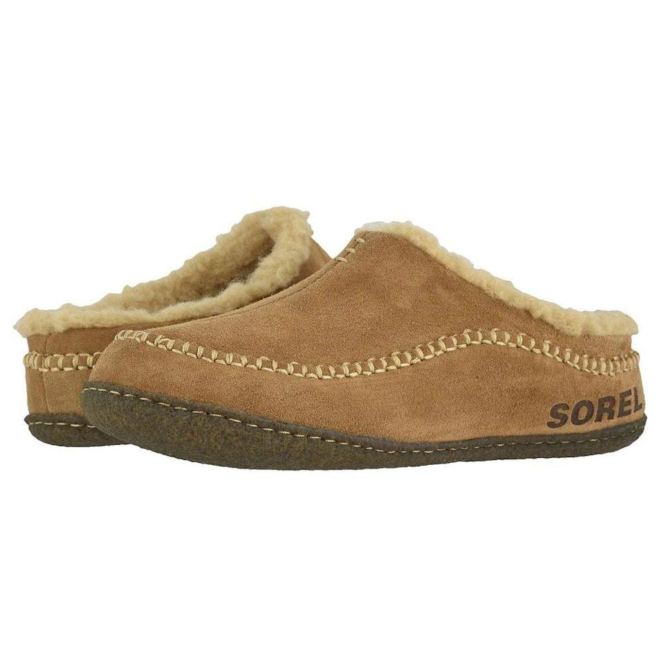 "<p><strong>SOREL</strong></p><p>zappos.com</p><p><strong>$69.95</strong></p><p><a href=""https://go.redirectingat.com?id=74968X1596630&url=https%3A%2F%2Fwww.zappos.com%2Fp%2Fsorel-falcon-ridgee-ii-tobacco%2Fproduct%2F9242320&sref=https%3A%2F%2Fwww.goodhousekeeping.com%2Fholidays%2Fgift-ideas%2Fg4517%2Fgifts-for-boyfriend%2F"" rel=""nofollow noopener"" target=""_blank"" data-ylk=""slk:Shop Now"" class=""link rapid-noclick-resp"">Shop Now</a></p><p>A trusty pair of slippers go a long way, especially come hibernation season. Available in a range of black, brown, and green shades, these fleece-lined slippers have a thick sole, in case he takes the occasional walk outside with his PJs on.</p>"