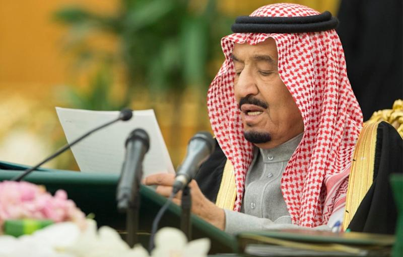 A picture provided by the Saudi Press Agency (SPA) on December 28, 2015 shows Saudi King Salman bin Abdulaziz heading the Council of Ministers meeting in Riyadh (AFP Photo/)
