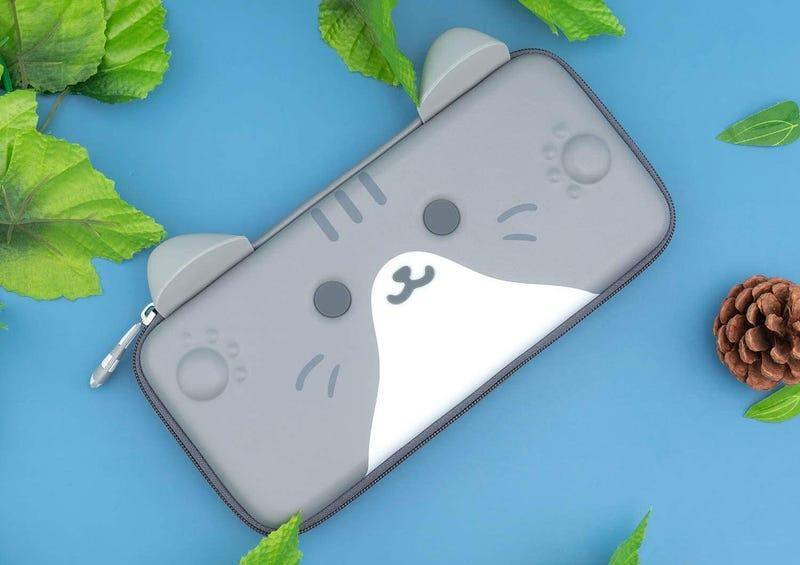 a switch case shaped like a cat