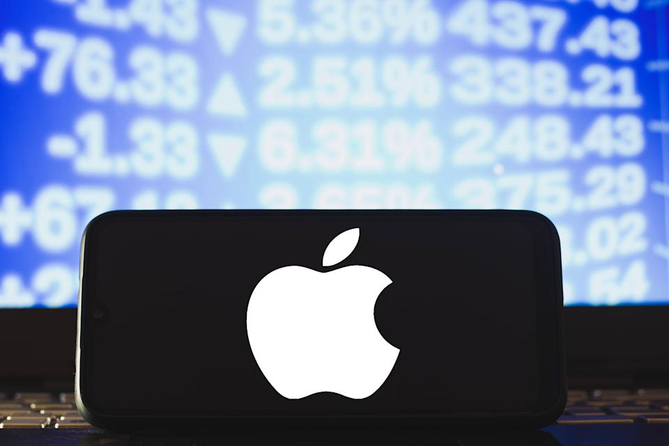 BRAZIL - 2021/04/04: In this photo illustration an Apple logo seen displayed on a smartphone. (Photo Illustration by Rafael Henrique/SOPA Images/LightRocket via Getty Images) (Photo: SOPA Images via Getty Images)