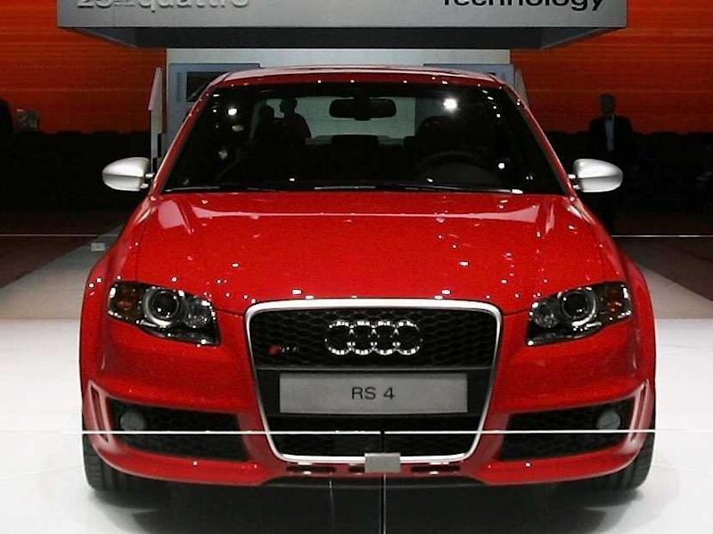 Audi RS4 Red