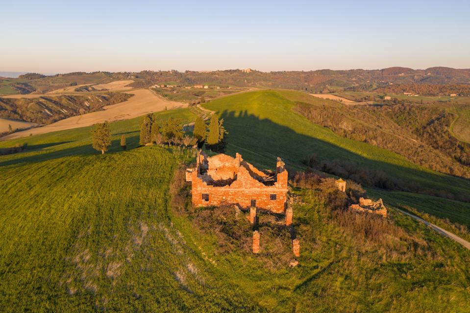 <p>Sky's the limit: a could-be Tuscan retreat has been listed for sale for less than the average cost of a London home</p> (Hidden Tuscany / Erna Low Property)