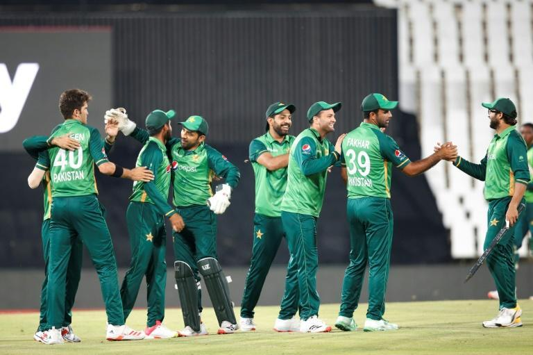 Pakistan celebrate their series-clinching victory