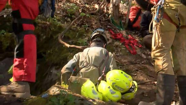 Crews work to rescue 5 people trapped in Virginia cave