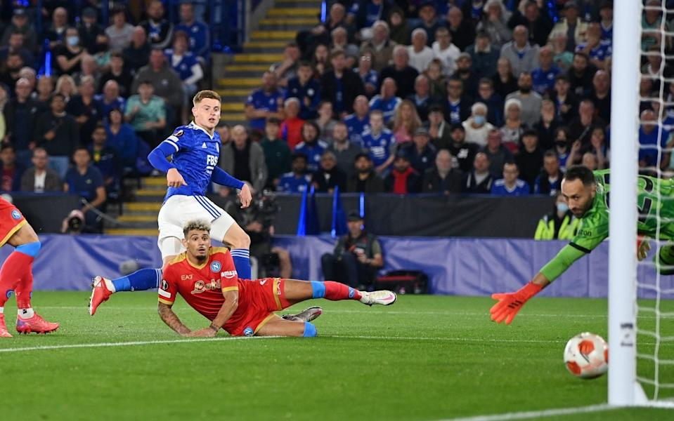 Harvey Barnes of Leicester City scores their side's second goal during the UEFA Europa League group C match between Leicester City and SSC Napoli - Shaun Botterill/Getty Images