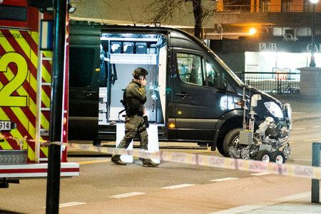 """Police have block a area in central Oslo and arrested a man after the discovery of """"bomb-like device"""