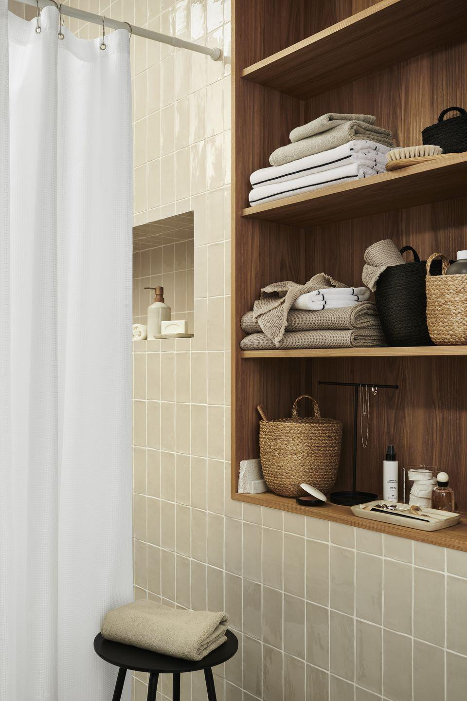 """<p>From wicker baskets to fluffy towels, you'll find everything you need for the <a href=""""https://www.housebeautiful.com/uk/decorate/bathroom/a34935597/dark-bathroom-brighter-winter/"""" rel=""""nofollow noopener"""" target=""""_blank"""" data-ylk=""""slk:bathroom"""" class=""""link rapid-noclick-resp"""">bathroom</a> in the new range. </p><p><a class=""""link rapid-noclick-resp"""" href=""""https://go.redirectingat.com?id=127X1599956&url=https%3A%2F%2Fwww2.hm.com%2Fen_gb%2Fhome.html&sref=https%3A%2F%2Fwww.housebeautiful.com%2Fuk%2Flifestyle%2Fshopping%2Fg35116386%2Fhandm-home-spring%2F"""" rel=""""nofollow noopener"""" target=""""_blank"""" data-ylk=""""slk:SHOP H&M HOME"""">SHOP H&M HOME</a> </p>"""