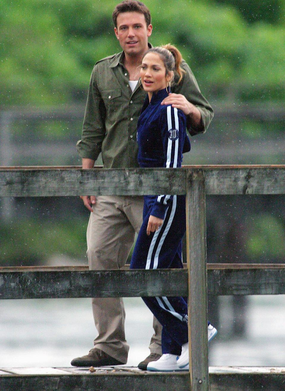 <p>While filming an interview in July 2003, the pair kept it cool. We only wish Ben had a tracksuit to match.</p>