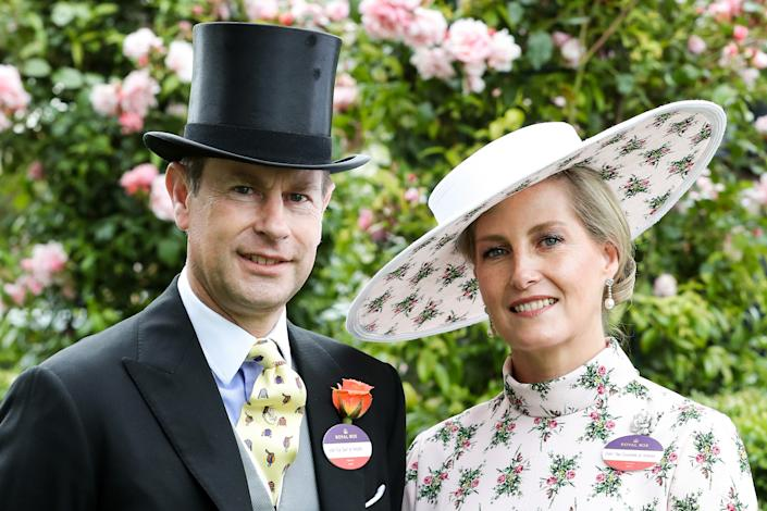 ASCOT, ENGLAND - JUNE 18: (EDITORS NOTE: Retransmission with alternate crop.) Prince Edward, Duke of Wessex and Sophie, Countess of Wessex pose for photographs ahead their 20th wedding anniversary on day one of Royal Ascot at Ascot Racecourse on June 18, 2019 in Ascot, England. (Photo by Chris Jackson/Getty Images)