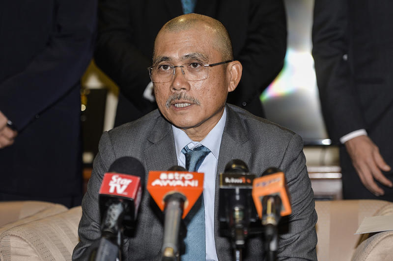 Sabah PPBM secretary Datuk Ronald Kiandee rejected Abdul Rahman's claims that the party had intentionally not handed over administrative files and assets belonging to Umno when some of its division leaders and elected representatives quit the party and joined PPBM. — Picture by Miera Zulyana