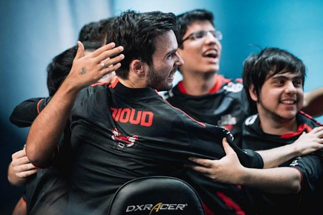 "Red Canids support Hugo ""Dioud"" Padioleau celebrates with his team (Riot Games Brazil/lolesportsbr)"
