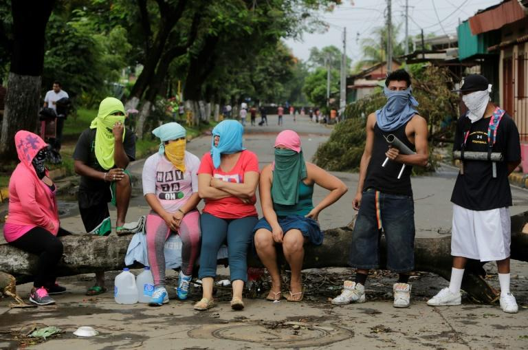 Anti-government demonstrators remain at an improvised barricade in the town of Masaya, 35 km from Managua on June 5, 2018