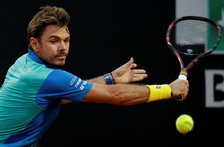 Wawrinka eases into third round at French Open