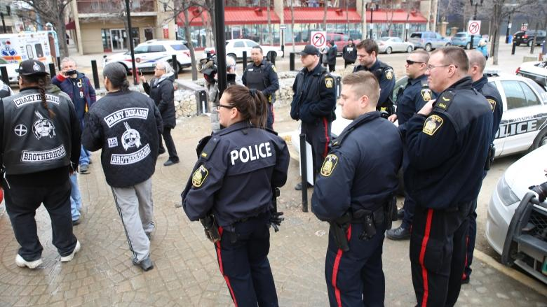 Indigenous activists confront drug dealers at downtown Winnipeg mall