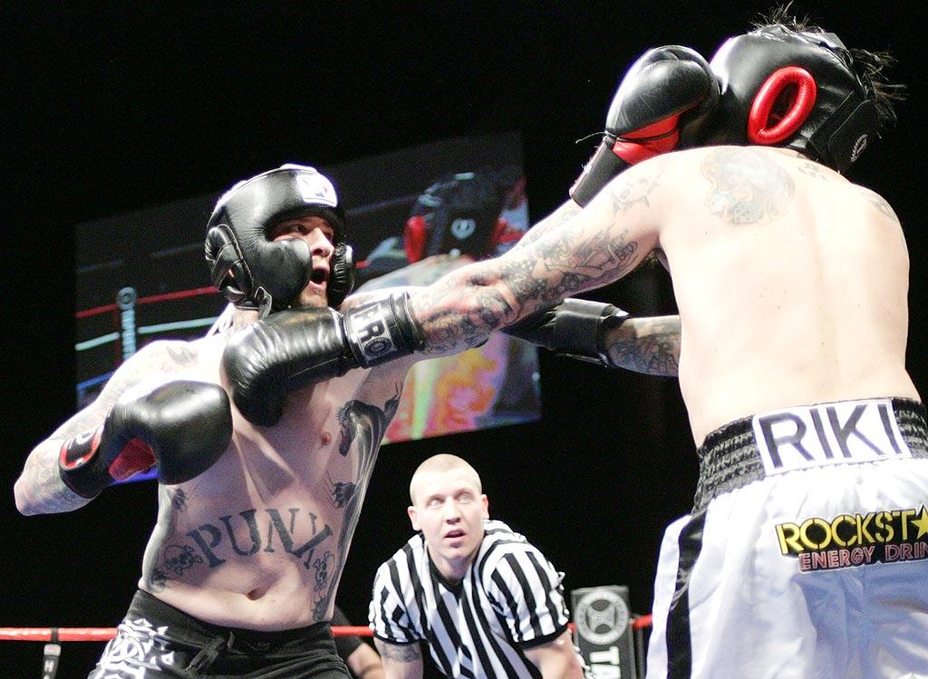 Good Charlotte guitarist Benji Madden battled former MTV host Riki Rachtman in a celebrity boxing match on Saturday night in Las Vegas. The fight was short and sweet -- Madden was declared the victor after knocking Rachtman down three times in the first two minutes of the fight! James Atoa/Everett Collection