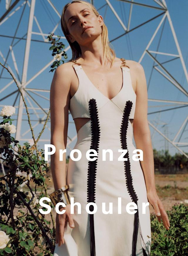 <p><strong>Model:</strong> Amber Valletta<br><strong>Photographer:</strong> Zoe Ghertner (Photo: Courtesy of Proenza Schouler) </p>