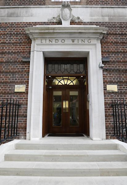The entrance to the Lindo Wing at St Mary's Hospital in London, Wednesday, June 19, 2013. It has been announced Wednesday that Britain's Kate, Duchess of Cambridge, will be delivered of her baby in the private Lindo Wing of St Mary's Hospital, the baby is due in July. (AP Photo/Kirsty Wigglesworth)
