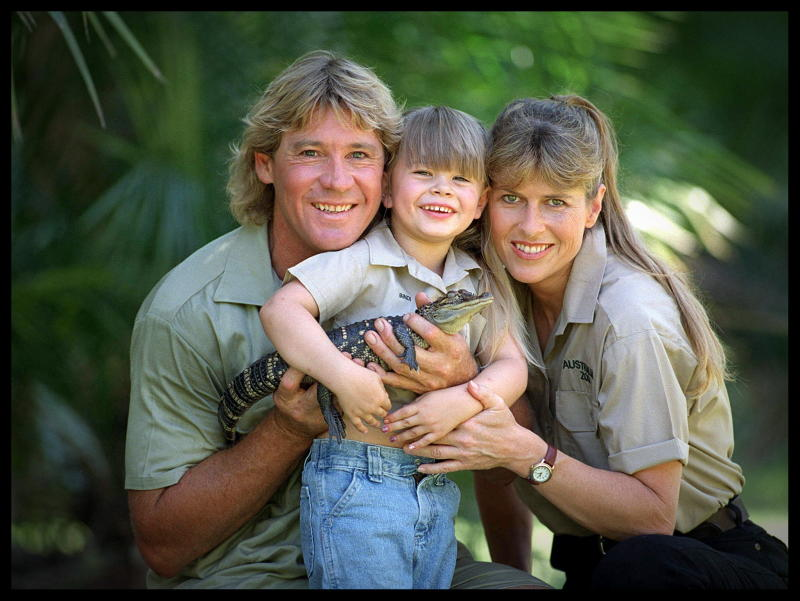 """Bindi Irwin, pictured with her parents Steve and Terri Irwin, honored what would have been the late """"Crocodile Hunter"""" star's 58th birthday. (Photo by Newspix/Getty Images)"""